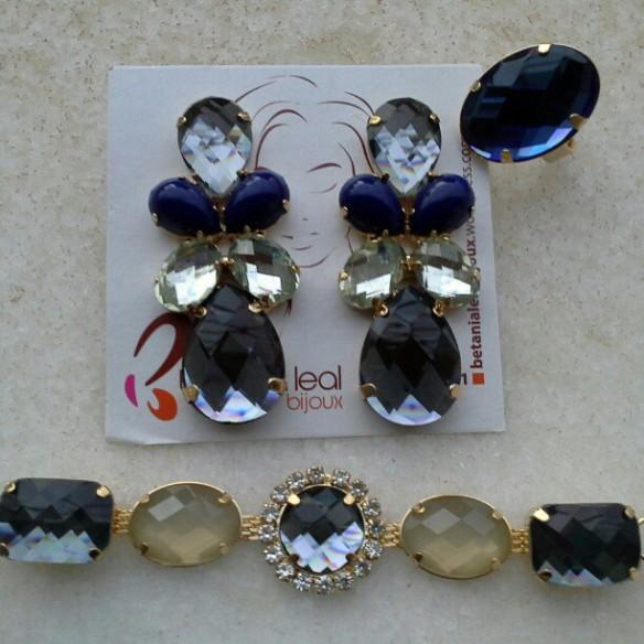 Brinco / anel e pulseira em tons azul acinzentado!