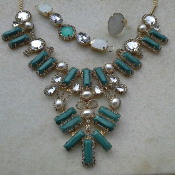 Máxi-colar turquesa / pulseira turquesa e branca e anel branco