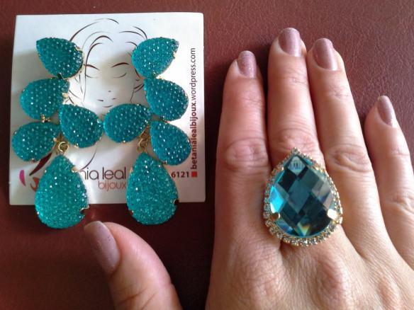 Brinco festa turquesa e anel com pedra de vidro!